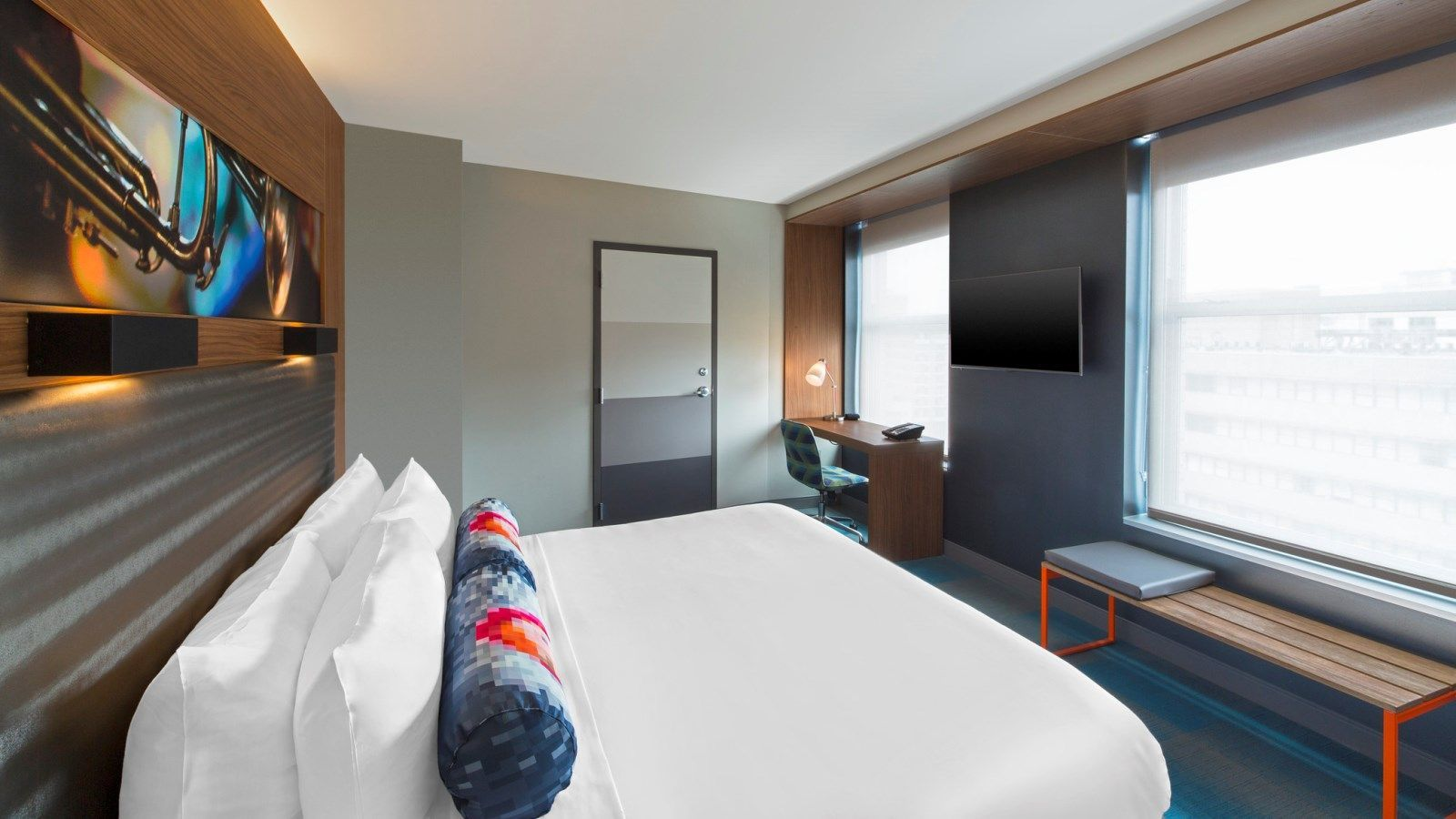 Aloft King Guest Room